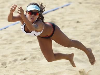 Ázsiai Játékok: Nézegessen nagyon dögös strandröplabdázókat