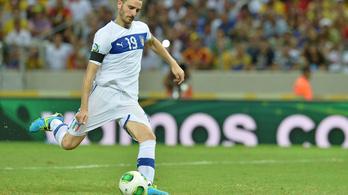 Pincébe zárta, verte az olasz válogatott védőt a sportpszichológus