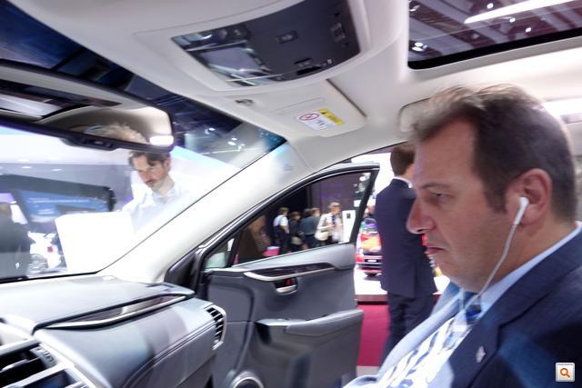 3 Lexus NX300 2