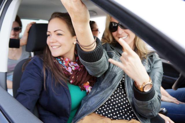 Minél többen utazunk együtt, annál többfelé osztódik az útiköltség