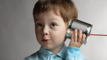 Miért hangzik olyan hülyén a saját hangunk felvételről?