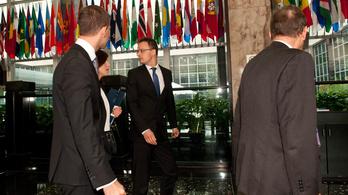 A Fideszben CIA-akciótól félnek?