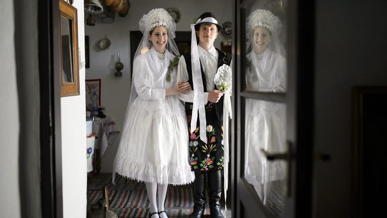 120 ezres nászajándékot oszt a kormány jövőre a friss házasoknak