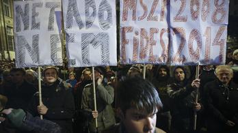 Az MSZP ügynöke szervezte a netadós tüntetést?