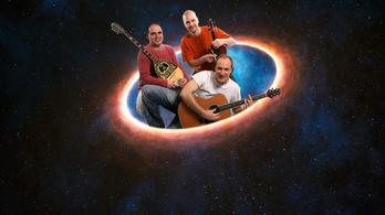 Az Alma együttes esete a kettőscsillag-rendszerben keletkező bolygók külső és belső korongjának gázáram-összekötésével