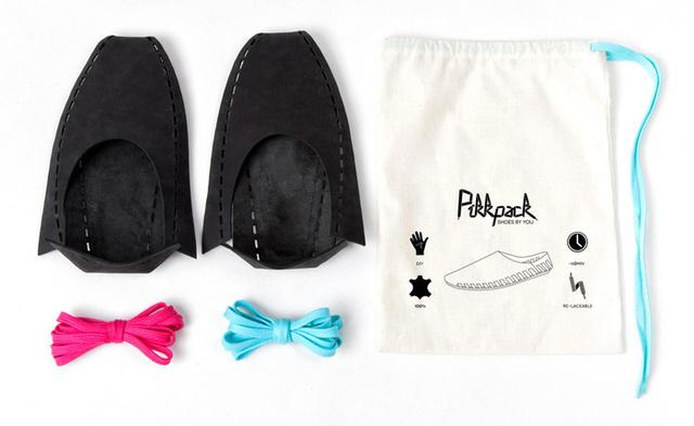 Íme a Pikkpack-pakk: két cipő, fűző és egy vászontáska, amit később rohangáláshoz is használhat.