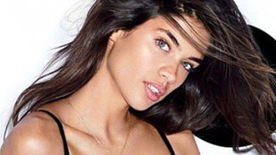 Egy Victoria's Secret modell is jobb testre vágyik