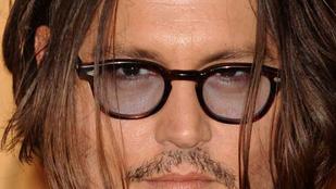 Johnny Depp részegen adott át díjat