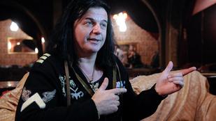 Kínos: halottként emlékeztek Kozsóra a Rockmúzeumban