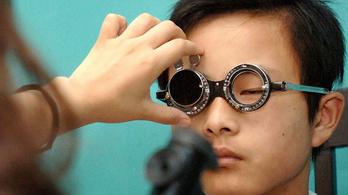 Pár évtized, és minden kínai szemüveges lesz