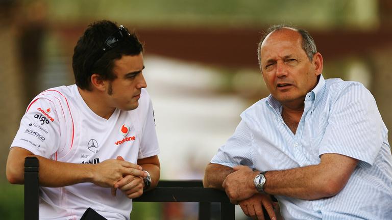Mindkét pilótáját kidobhatja a McLaren