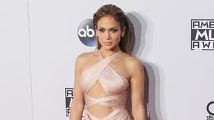 Mindene kilógott Jennifer Lopeznek az AMA-n
