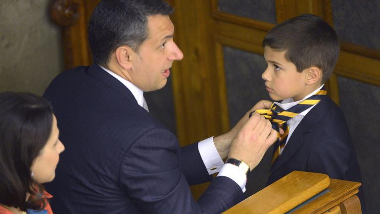 Lázár: A Miniszterelnökség nem családbarát munkahely