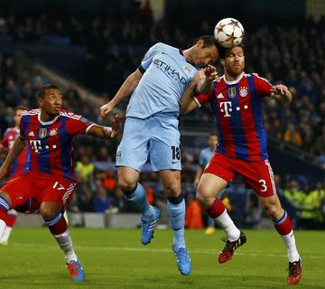 A Manchester City a 91. percben nyert, Messi rekorder lett