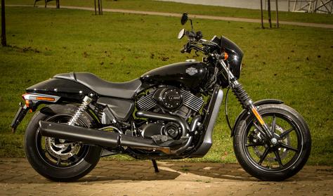 Gazdaságos Harley, egyenesen Indiából