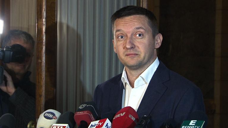 Fidesz: A drogosokat támogatja, aki nem támogatja a drogszűréseket