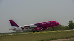 Szakíthat a lila színnel a Wizz Air