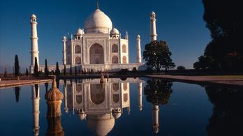 Elveszíti eredeti színét a Tádzs Mahal