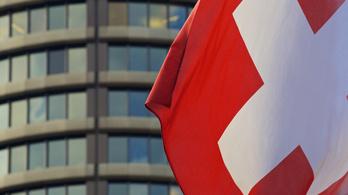 A norvég alap után a svájci alapra is rászállt a kormány