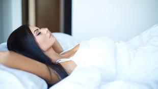 Mélyen kellene aludnunk ahhoz, hogy ne hülyüljünk el