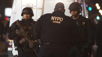 Szolgálati autójukban lőttek agyon két New York-i rendőrt