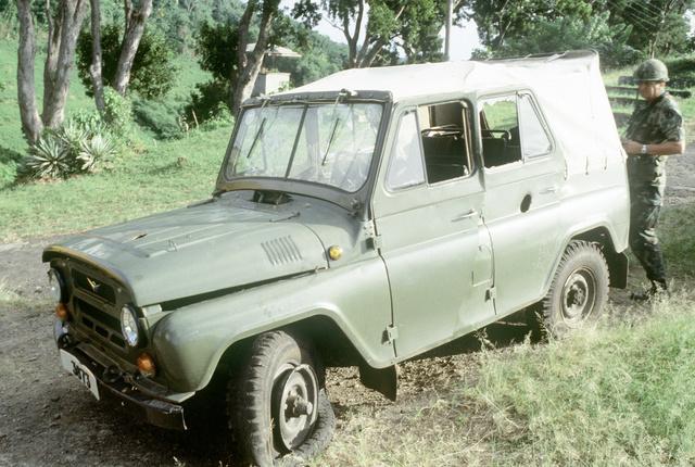 UAZ-469B (1983)