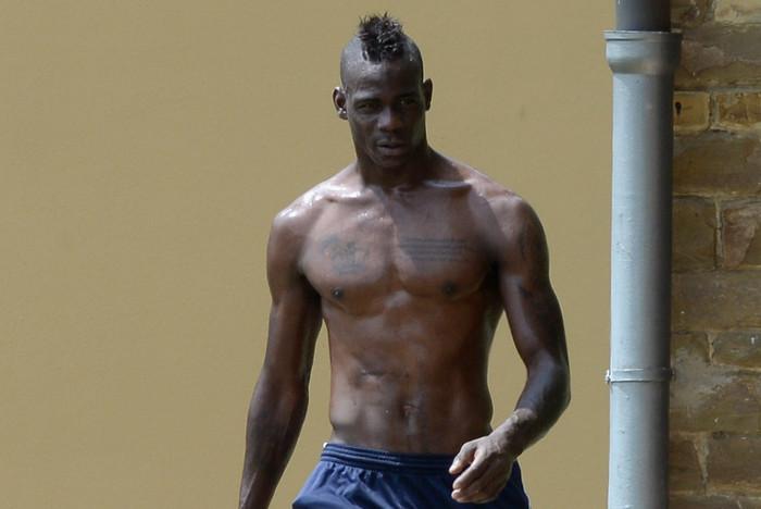 Ilyen rövidben edz Balotelli és más férfivillantások