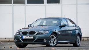 BMW-t vagy Insigniát? Majd az olvasó megmondja