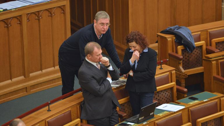 Gyurcsányék végleg kivonulnak a parlamentből