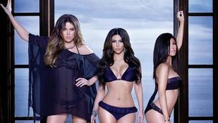 Egymásnak estek a Kardashian lányok