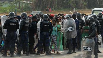 Kődobálás, könnygáz, ebolapánik: balhé az Afrika-kupán