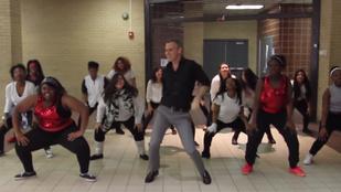 Nála menőbb táncoló tanárt még biztos nem látott