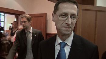Varga ellentmondott Orbánnak