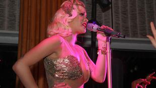 Rita Ora lemeze a szakítása miatt késik