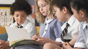 Iskola Angliában: gyakorlatias, befogadó, és konzerválja a kasztrendszert