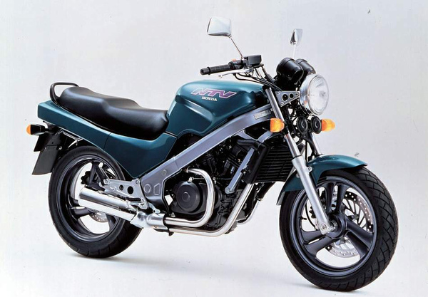 Suzuki NTV650 Revere