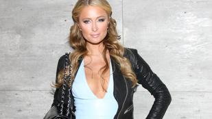 Paris Hilton a New York-i divathétre is elvitte megnőtt melleit