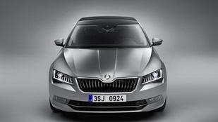 Kiszivárgott fotókon az új Škoda Superb