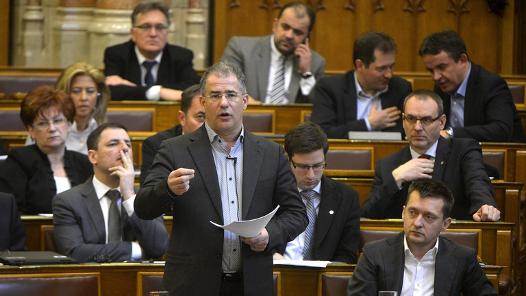 Kósát csesztette a Fidesz-elnökség