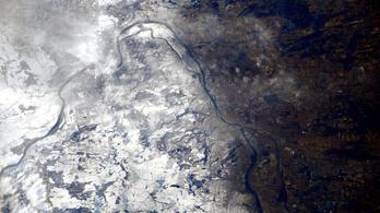 Az űrállomásról köszöntötték a magyarokat