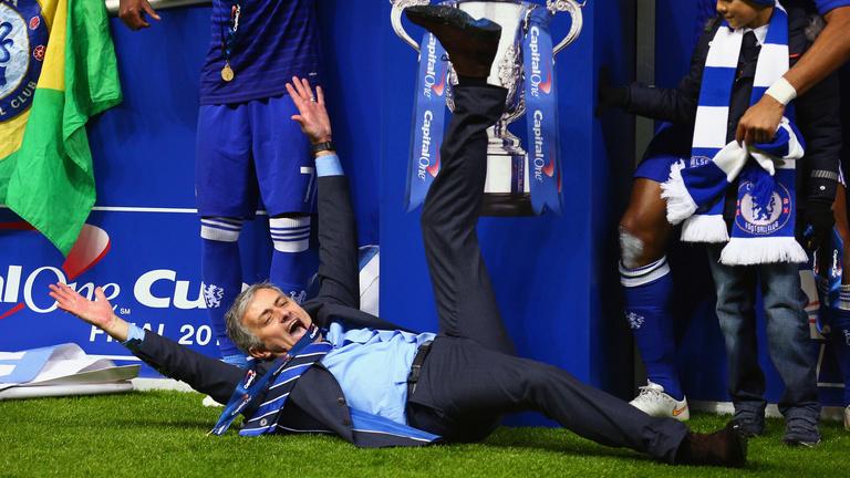 52 évesen is kisgyerekként örül Mourinho