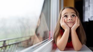 Mikortól veszélyeztetés egyedül otthon hagyni a kamaszt?