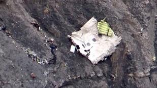 A másodpilóta idézhette elő a Germanwings-katasztrófát