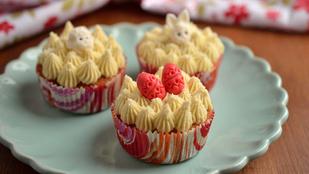 Tojáslikőrös tortácskák húsvétra