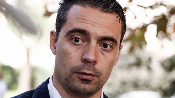 Vona Gábor szembefordult az eddigi Jobbikkal