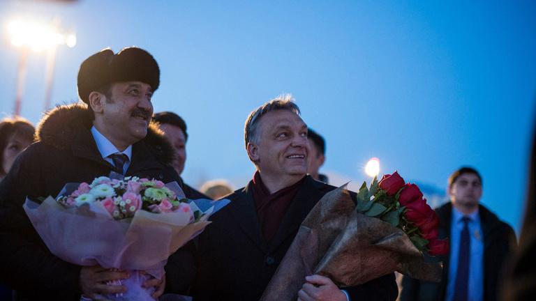 A Fidesz hívta a kazah fiúkat, akiknek mostanra repülőparkjuk van