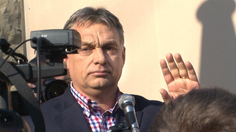 Orbánt lehazugozták, erre nevetve visszaszólt