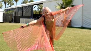 Még mindig nincs sok ruha a Coachella jónőin