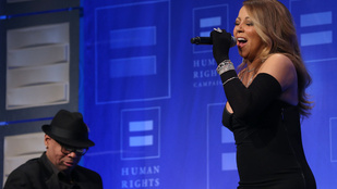 Mariah Carey albumán megszaladt a photoshop