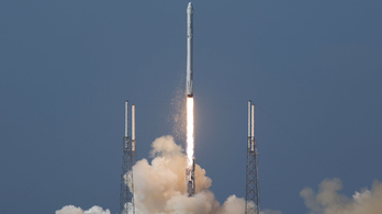 Leszállt, de eldőlt a SpaceX rakétája